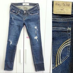 Hollister Lose Rise Ripped Jeans in Size 3s